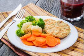 marmita-fitness-Burguer-De-Frango-Mix-De-Vegetais-Cenoura--Copy-