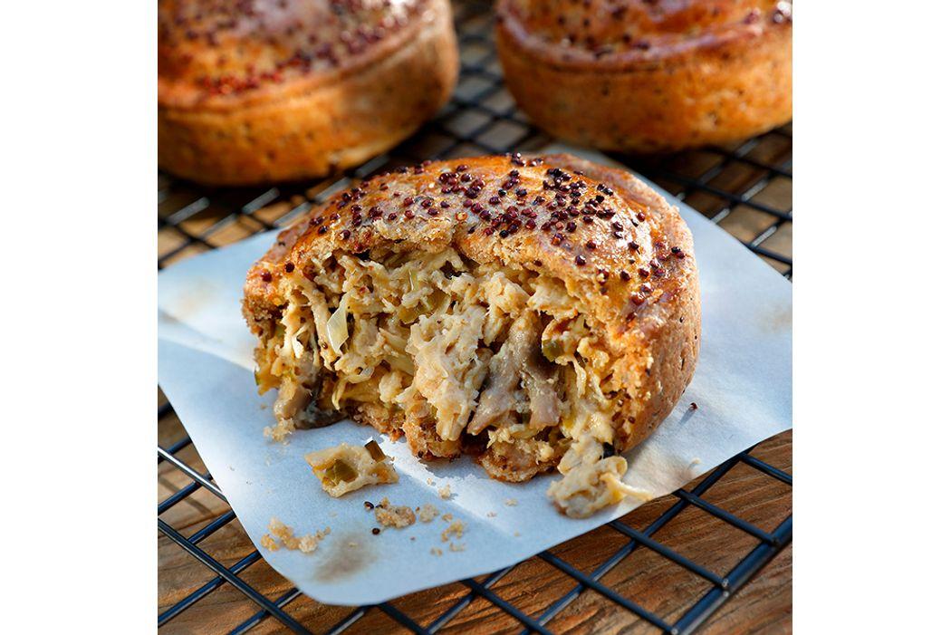 Tortinha-Fir---Artesanal-de-Frango-com-Cogumelos